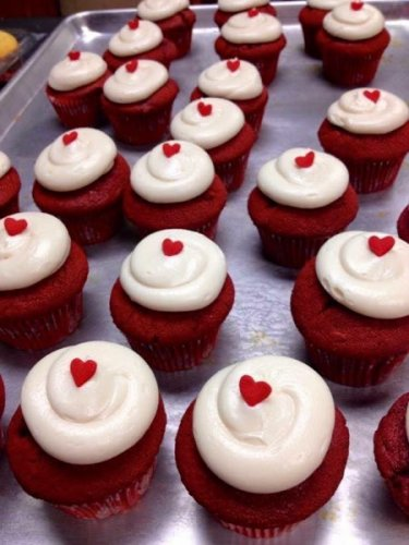 ST cupcakeHearts